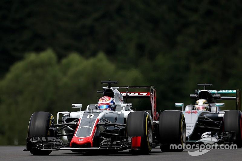 Grosjean, muy molesto con Hamilton