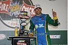 Almirola se lleva la carrera en Daytona