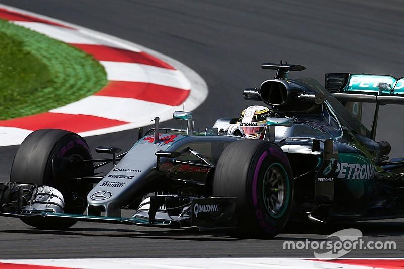 """ハミルトン、""""フェラーリのタイヤ選択が有利""""と恐れる"""
