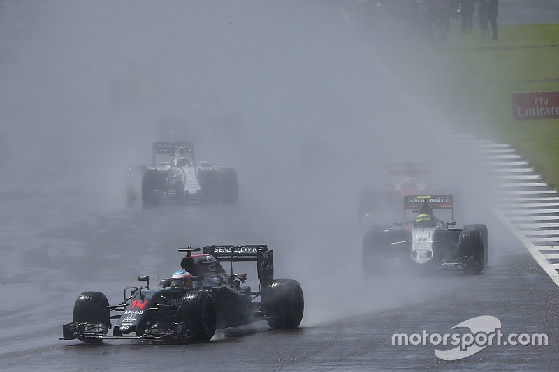 Una carrera para no estar orgullosos, dice Alonso