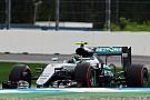 """Lowe: """"Rosberg perdió el control del acelerador en la Q3"""""""