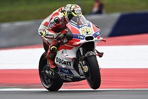 MotoGP Relato de classificação Iannone derrota Rossi em treino emocionante na Áustria