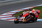 Marquez klokt beste tijd in tweede training op Brno