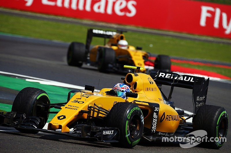 Renault определится с составом пилотов в сентябре