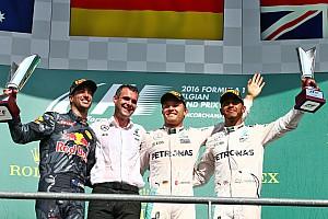 Fórmula 1 Relato da corrida Rosberg triunfa, mas vê Hamilton ser 3º em GP acidentado