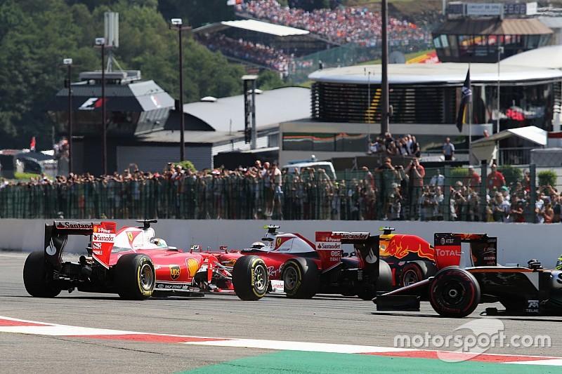 """Verstappen bijt van zich af: """"Vettel en Raikkonen moeten zich schamen"""""""
