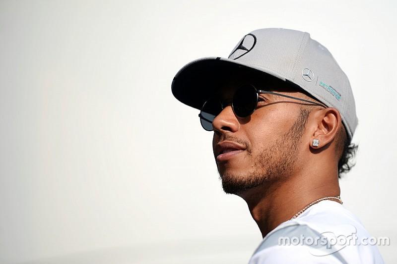"""Hamilton: """"Weet niet wat er gebeurde bij de start"""""""