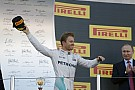 Rosberg szerelői kezében landolt az orosz győzelme után!