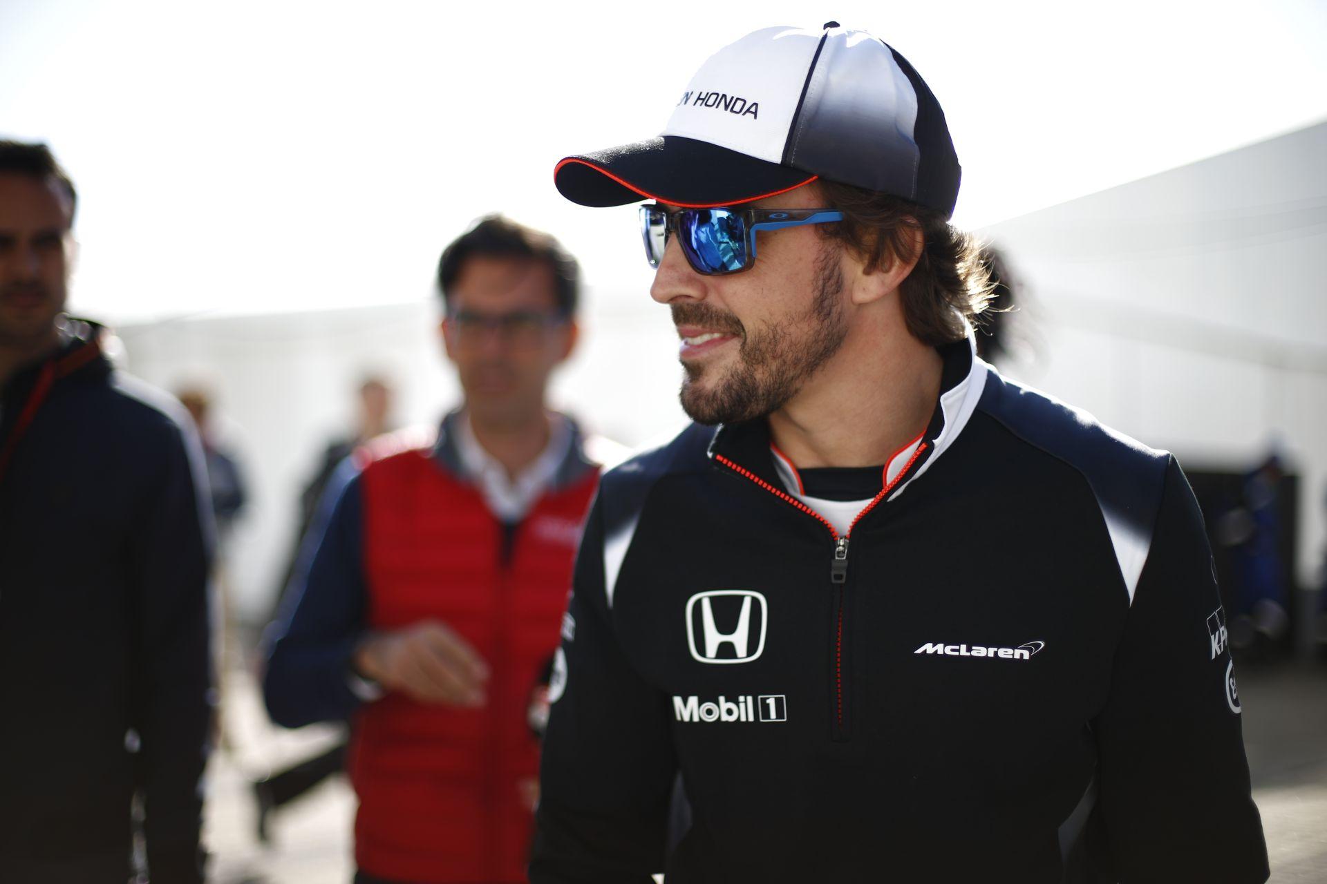 Alonso álomvilágban él, vagy tud valamit, amit mi nem?