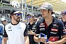 A hónap felvétele: Alonso és Sainz megverekszik a riporternőért