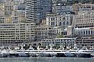 Mehet a rongyrázás Monacóban, a kőműves dekoltázs akkor is becsúszik