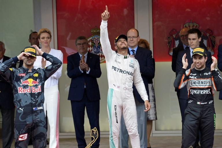 Óriási: videóra vették, ahogy Ricciardo dühöng a Red Bullal