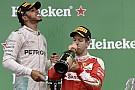 Hamilton és Vettel: 3-2-1... pezsgősüvegeket meghúzni!