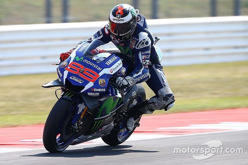 Lorenzo torna grande a Misano: è in pole davanti a Valentino