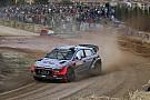 WRC Italia: Neuville unggul atas Latvala setelah hari Jumat pagi