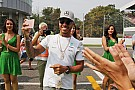 Hamilton ve a Red Bull poderoso en Singapur