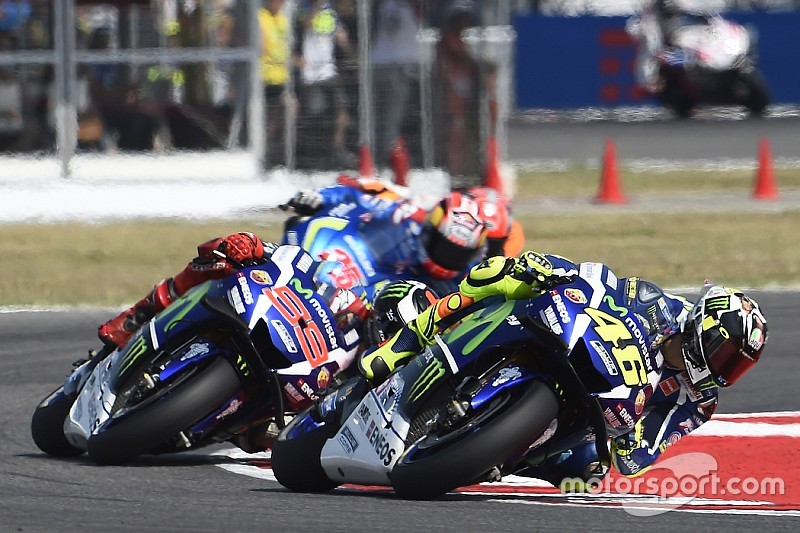 Колонка Мамолы: агрессивность – часть гонок MotoGP