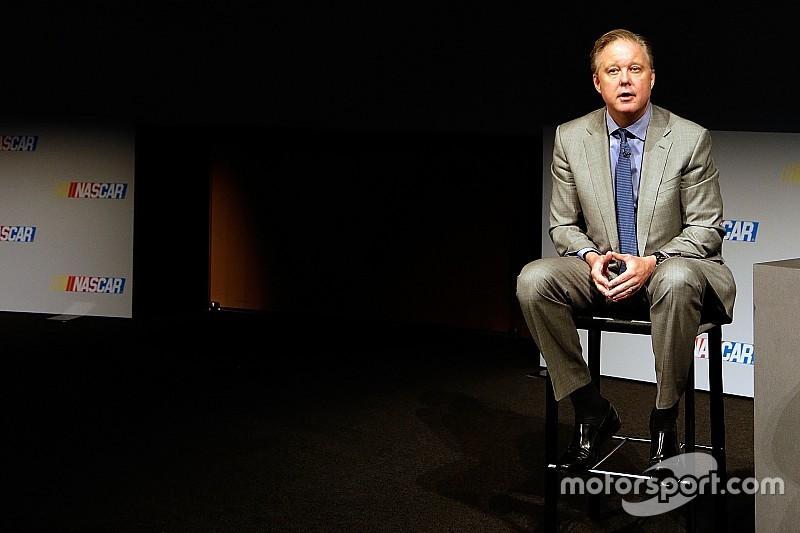 Brian France dice que NASCAR está en tiempo para anunciar su patrocinador
