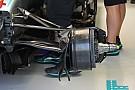 Mercedes: resta aperto il cestello dei freni anteriore