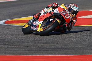 MotoGP Relato da corrida Apesar de susto inicial, Márquez vence em Aragón; Rossi é 3º