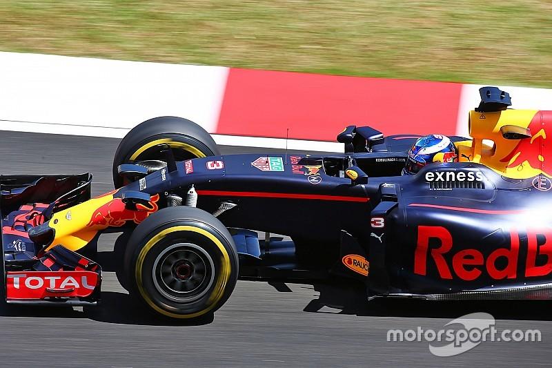 """Ricciardo: """"Kan met extra set zachte banden Mercedes aanvallen"""""""