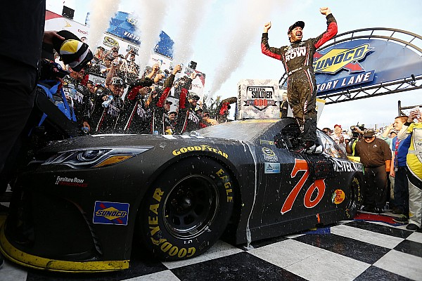 NASCAR: Martin Truex Jr. siegt in Dover, Titelkreis auf 12 verkleinert