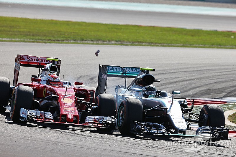 "Ferrari: ""Raikkonen verloor drie tienden per ronde na contact"""