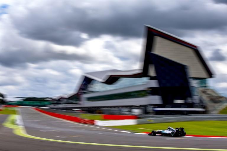 A Renault újoncának apja megvenné Silverstone-t?