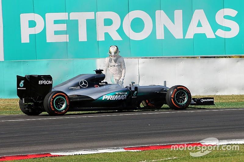 Mercedes продовжує розслідування відмови двигуна Хемілтона