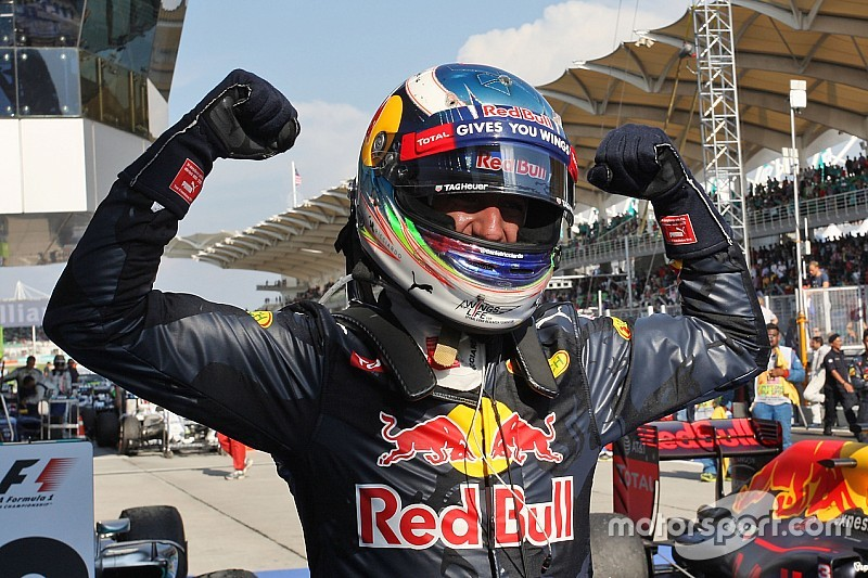 Daniel Ricciardo: Motorenprobleme von Mercedes könnten Red Bull Racing helfen