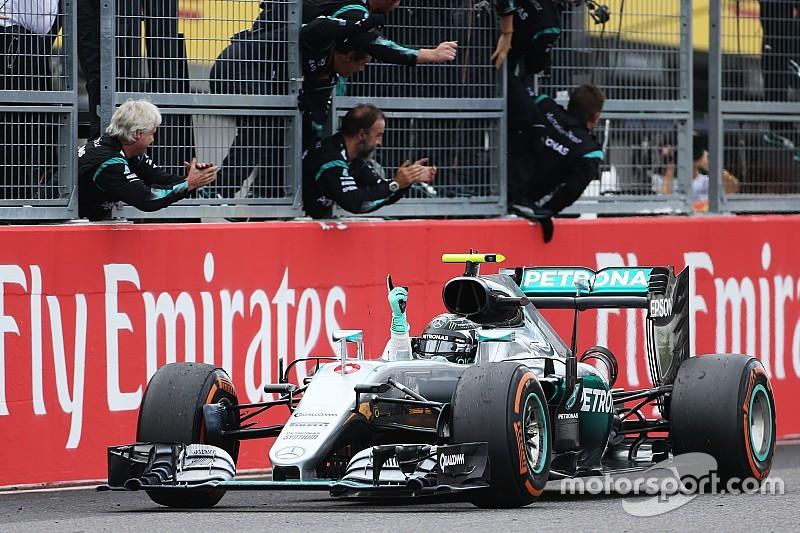 Rosberg celebra el éxito, pero se mantiene enfocado en el título