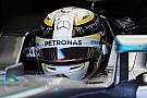 Hamilton batal tes ban Pirelli di Barcelona