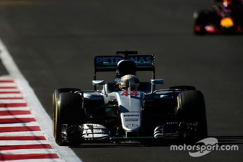 Хэмилтон осознает угрозу со стороны Red Bull на первом круге