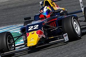 Formule 4 Nieuws Verschoor declasseert concurrentie met nieuwe hattrick: