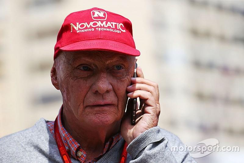 """Lauda: """"Metade do grid"""" se ofereceu para substituir Rosberg"""
