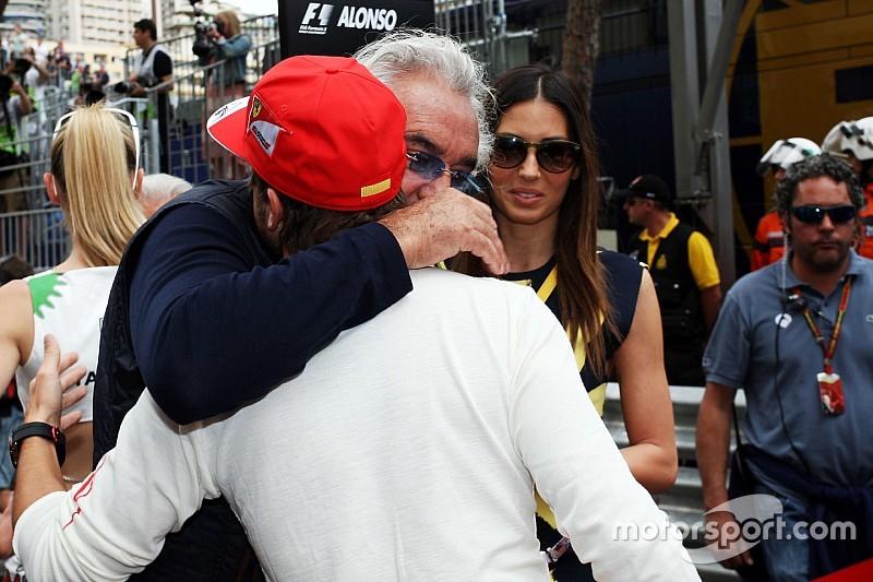 Briatore kijelentette: Alonso nem megy a Mercedeshez!