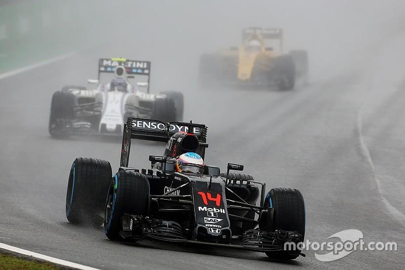 Alonso pide que los neumáticos sean cubiertos en la F1