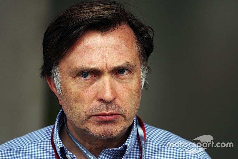 A McLaren szép sorban lefokozza Dennis embereit...