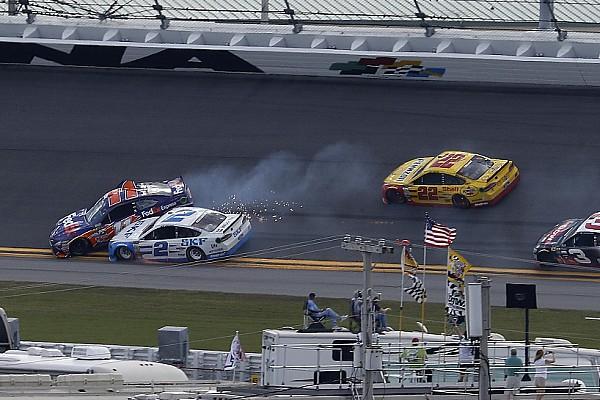 NASCAR Cup Rennbericht NASCAR-Clash in Daytona: Logano siegt nach Unfall in Schlussrunde