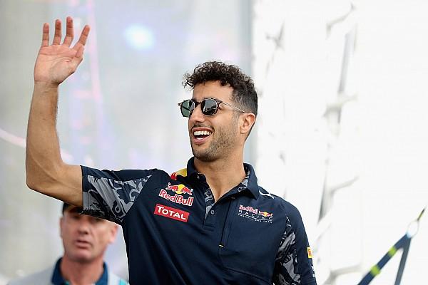 Daniel Ricciardo se convierte en un 'Twillonario