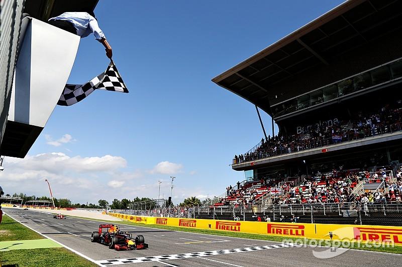 Een jaar later: Frits van Eldik over de eerste Grand Prix-zege van Max Verstappen - Motorsport.com, Editie: Nederlands