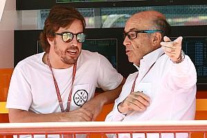 """MotoGP Noticias de última hora Ezpeleta: """"Algo debe pasar en la F1 para que Alonso no corra en Mónaco y lo haga en Indy"""""""