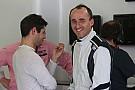 Egy horrorisztikus kép Kubica súlyosan sérült kezéről