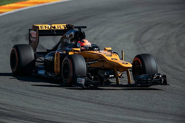 Formule 1 Kubica rijdt meer dan 100 ronden bij terugkeer in F1-auto