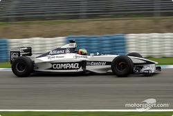 Ralf Schumacher probando el Williams FW22b