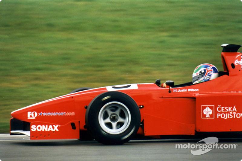 2001: Het eerste kampioenschap
