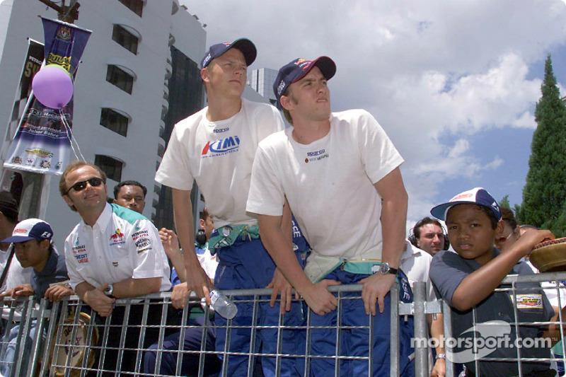 Sauber Petronas team in Johor Bahru: Kimi Raikkonen and Nick Heidfeld
