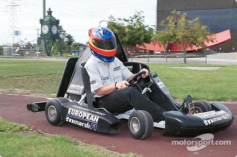 Fernando Alonso en un evento antes de su primer gran premio