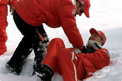 Rubinho and Schumi, like kids in the snow