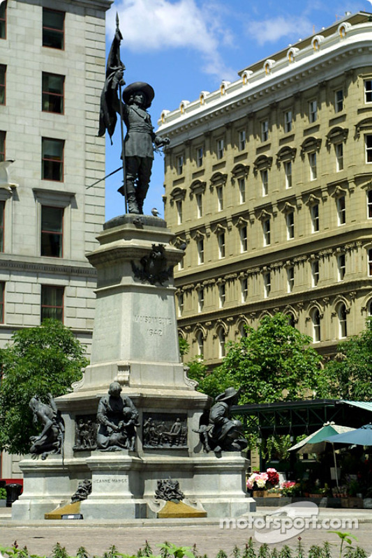Old Montreal: statue of Maisonneuve, the founder of Montreal